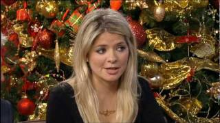 Holly Willoughby [This Morning] - Leggy & Hint of Stocking top,