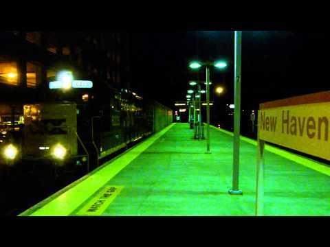 CSX B746 rolls west through New Haven