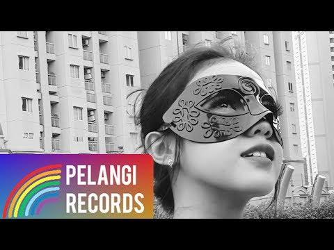 download lagu Dangdut - Putri Topeng - Untuk Siapa Cintamu (Official Lyric Video) gratis