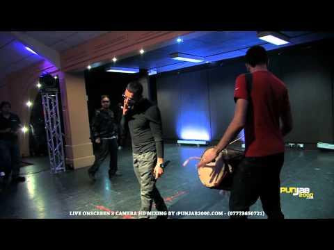 Punjab2000.com - Garry Sandhu singing Din Raat with RoachKilla...
