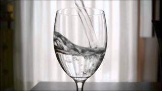 "Nikon D3100 Slow-Motion: ""Water Games"" (40% speed Twixtor Pro)"