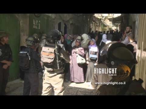 CJ_013 Jerusalem Conflict 2015: Palestinian Women Chant in the Shuk