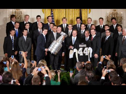 President Obama Welcomes the Pittsburgh Penguins Video