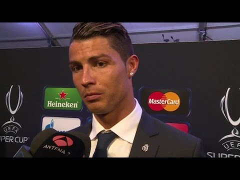 Cristiano Ronaldo, Gareth Bale & Carlo Ancelotti Reactions After Super Cup Win
