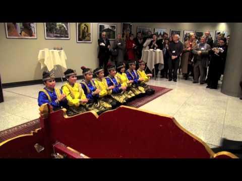 Ciaaattt...saman Dance, Indonesia  At European Parliament video