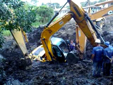 escavadeira JCB 160atolada - matias terraplenagem Music Videos