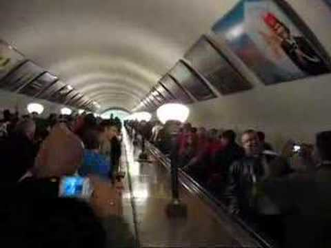 Английские фанаты в метро.