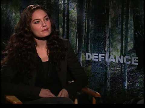 Alexa Davalos interview for Defiance
