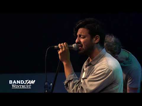 Young The Giant - Cough Syrup (Wintrust Band Jam) [Live In The Sound Lounge]