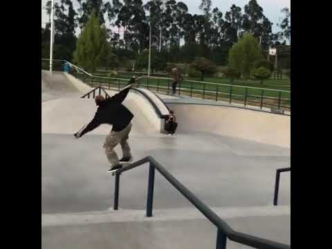 Check out that pinch from @polloraw | Shralpin Skateboarding