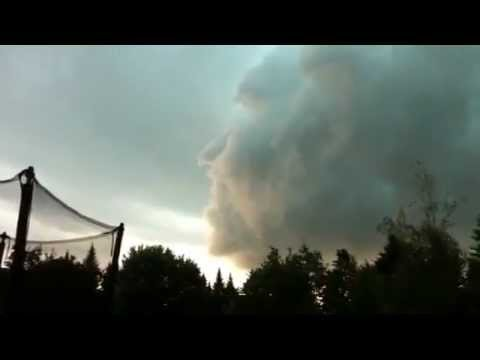 Omg Face In Sky Scary 2011 Phenomenon Weird Event