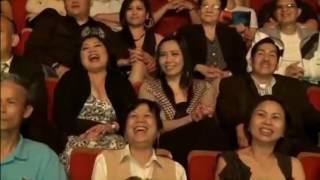 Liveshow NSƯT Hoài Linh Chí Tài 2016 - Hoài Linh nuốt rắn