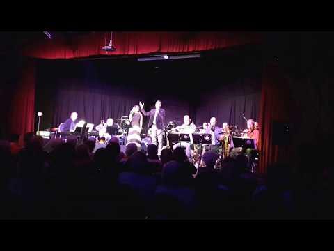 Szól a szaxofon - Tunyogi Bernadett, Csengeri Attila, Studio11 Ensemble
