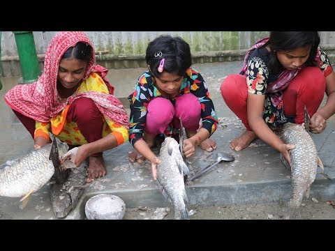 Big Carp Fish Curry Picnic By 6-10 Years Kids - Eating Together After Huge Rain
