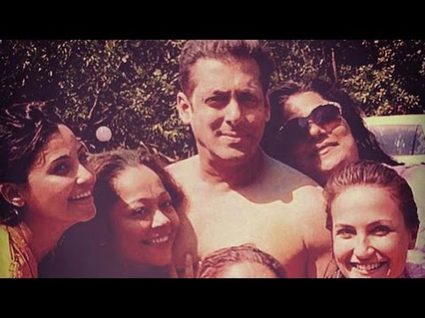 Must Watch: Salman Khan's Holi Celebration With Friends And Family! video