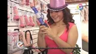 Génesis Tapia Y Su Tour En Un Sex Shop