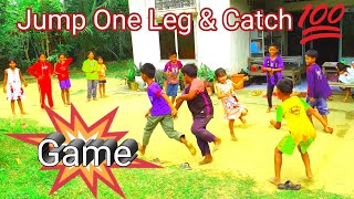 Funny kids play and learn/ Jump One Leg And Catch Game