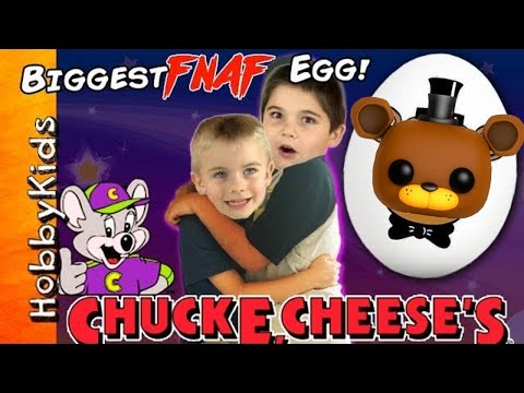 GIANT Nights at Freddy's EGG TOY SURPRISE at Chuck E Cheese