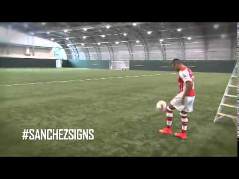 Montage of Alexis in his new Arsenal kit