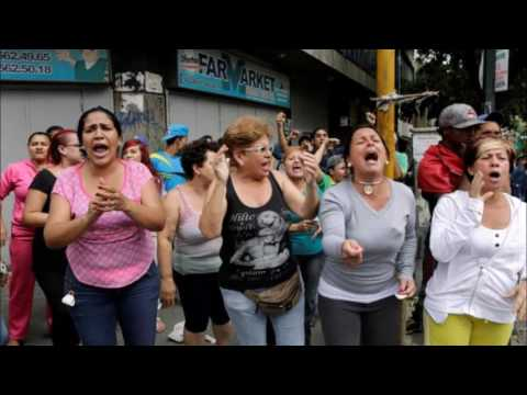 'We want food!', Venezuelans cry at protest near presidency