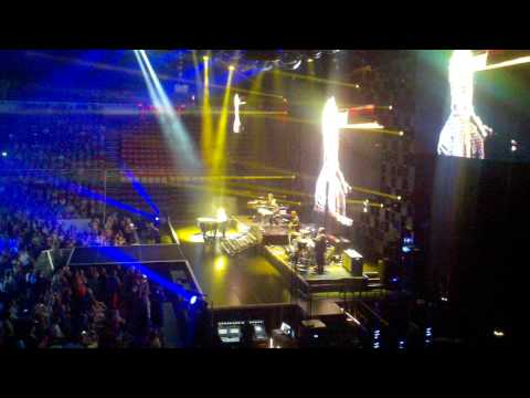 'american Idol Live' Tour : Colton Dixon Shines On 'never Gone'