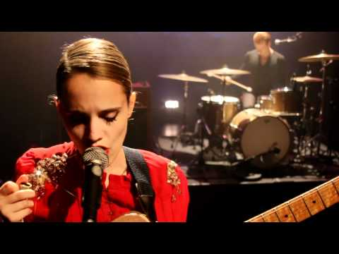 Anna Calvi - Wolf Like Me (Live - Somewhere Along The Line, Part Two)