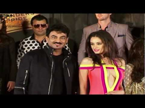 Evelyn Sharma shows off cleavage at Blenders Pride Fashion Event thumbnail