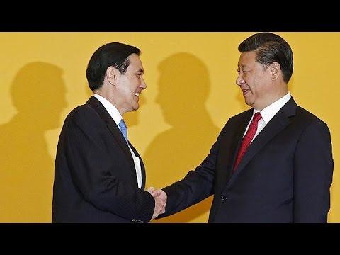 Political foes Taiwan and China hold historic talks