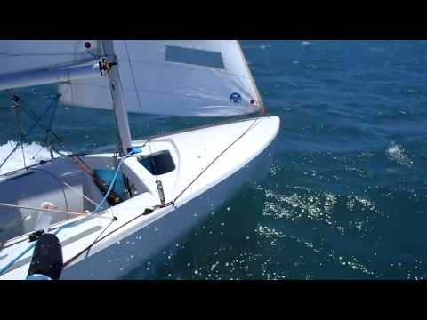 420 Fast sailing view from trapeze in 25 knots