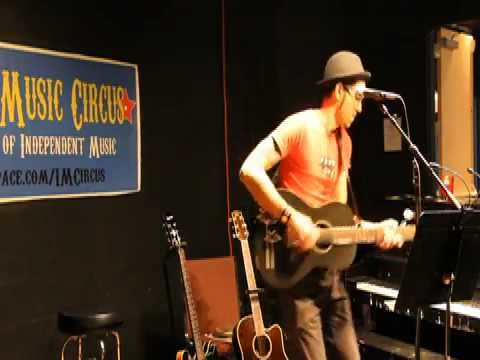 Michael Aquino - Mama (Live at Indie Music Circus)