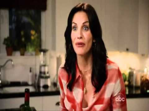 Cougar Town: Resort Jules wants to celebrate her birthday with Laurie & Ellie