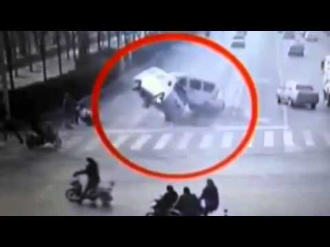 ★* STRANGE *★Very Strange Phenomenon★A Huge Invisible Force Lift Cars Up★A MUST SEE★WATCH THIS*★