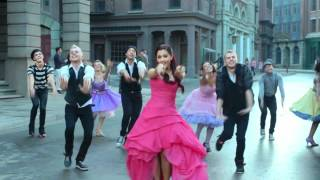 Клип Ariana Grande - Put Your Hearts Up