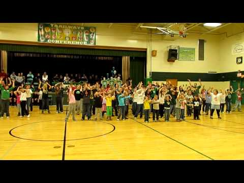 Green Lake High School flash mob - Packer Groove dance
