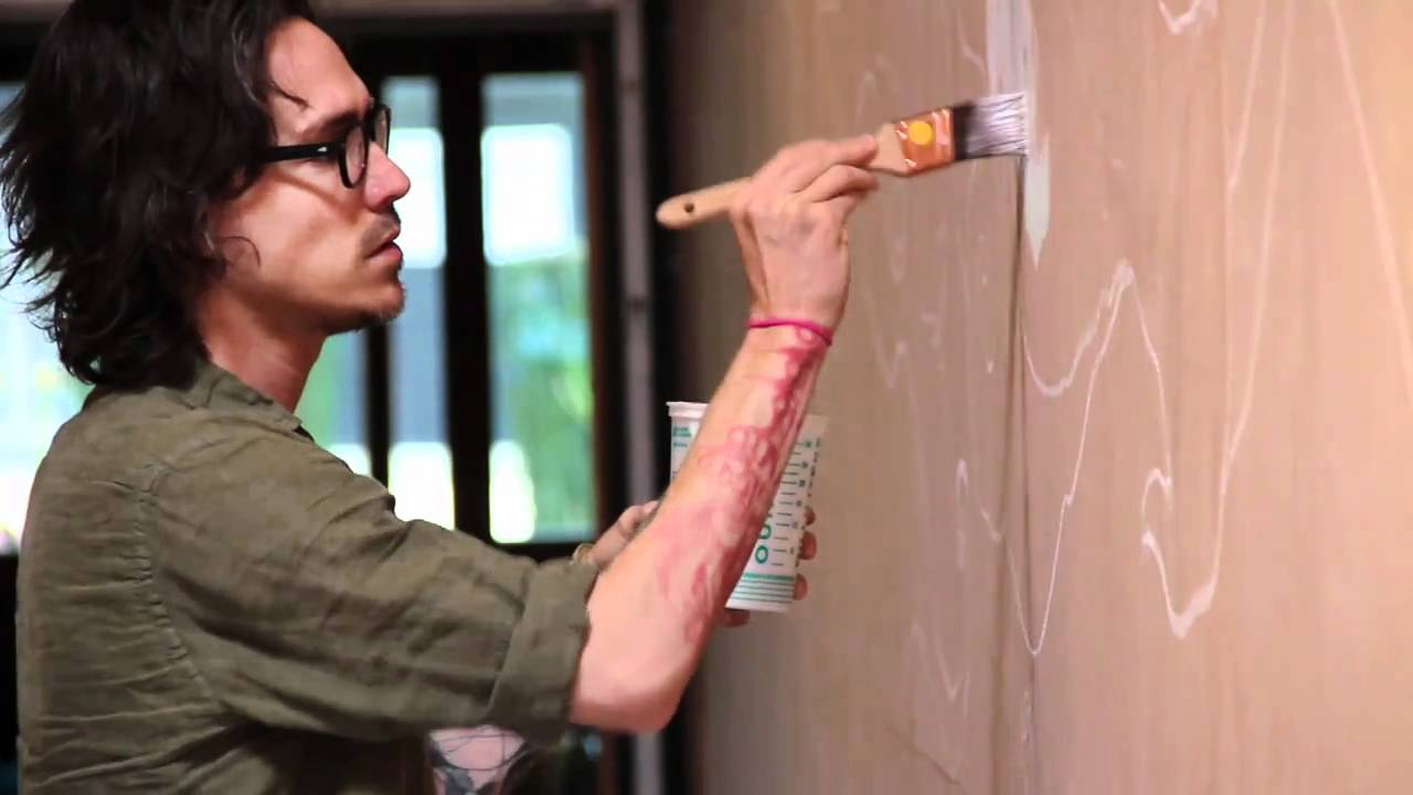 Brandon boyd previews the mural he 39 s doing for space for Brandon boyd mural