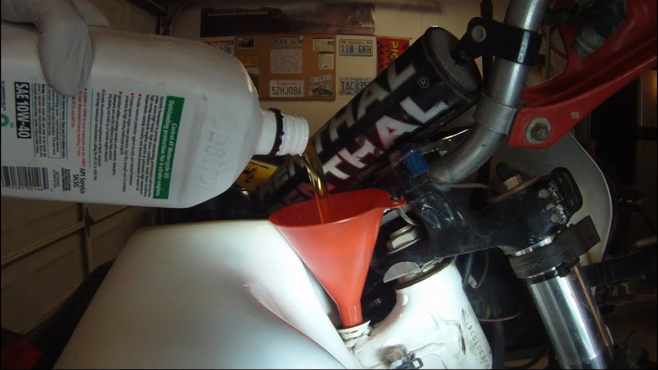 XR600R Oil and Oil Filter Change - YouTube