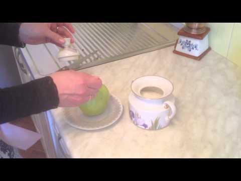 Как запечь яблоки в микроволновке - видео