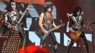 "Kiss - ""Day Tripper"" Live, Tokyo, Japan 3.12.03"