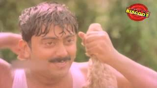 Watch Malayalam Movie Comedy Scene Ponnu Chami release in year 1993. Directed by Ali Akbar and starring Mala Aravindan, Asokan, Chitra, Suresh Gopi, Kalpana, Sainuddin.