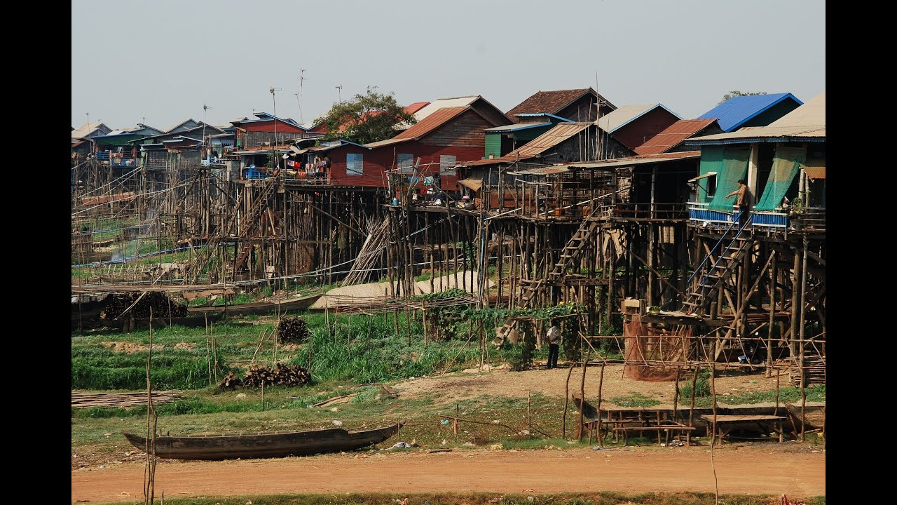 Walking Around Cambodian Floating Fishing Village-Kompong ... | 2048 x 1371 jpeg 845kB
