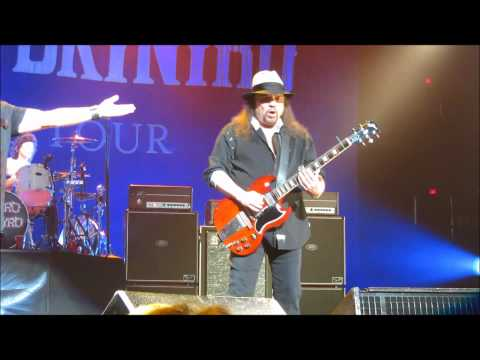 Free Bird HD up close - Lynyrd Skynyrd - Columbus May 24, 2011