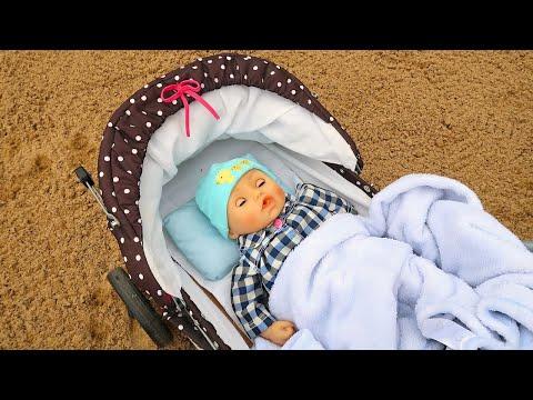 #Куклы ПОСЛЕ ПРОГУЛКИ НА УЛИЦЕ Мультик для девочек Игрушки для детей Мама и дочка