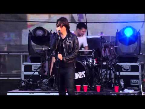 The Strokes - Gratisfaction [2011-06-12]
