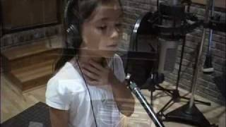 AMAZING 7 Year-old Worships the Lord. Beautiful voice!!!!!