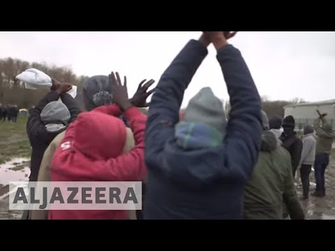 🇫🇷 Calais refugees: hopes of reaching UK dashed