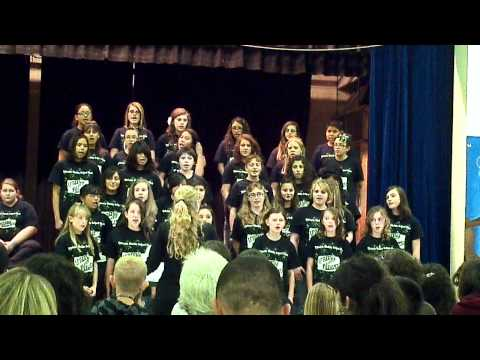 Tibbetts Middle School Choir performing Credo