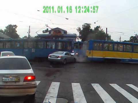 Тойота VS трамвай. Авария Ангарск