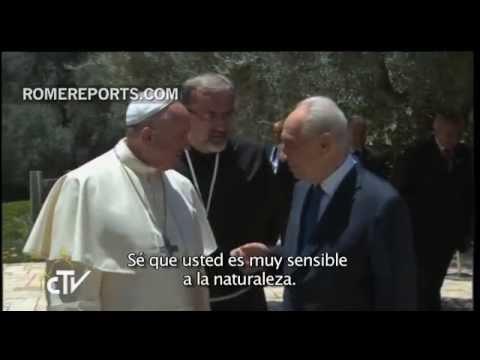 Papa a Shimon Peres: Proteja la sacralidad de los Santos Lugares y a sus peregrinos | Rome Reports