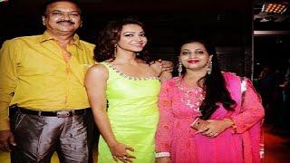 Koushani Mukherjee Family Album   কৌশানী মুখার্জীর পরিবার । Koushani Mukherjee with her Family