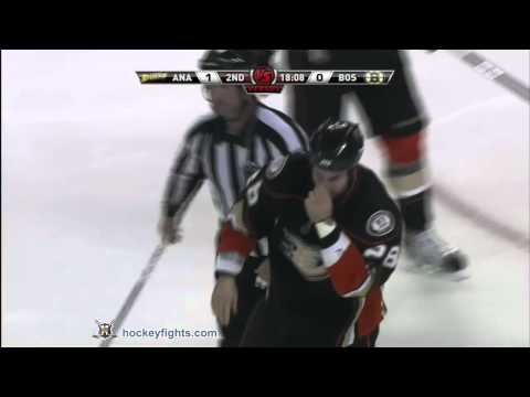Kyle Chipchura vs Gregory Campbell Dec 20, 2010